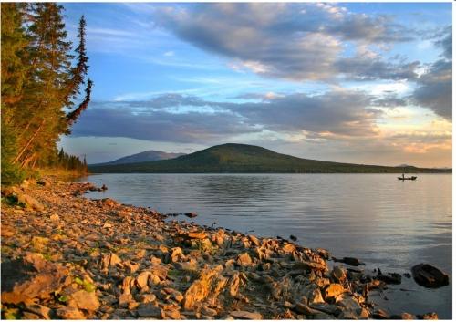 У нас и в Индии. Символом Октябрьского района признано лечебное озеро Сладкое